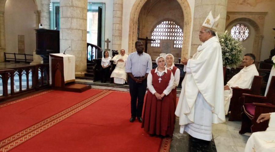 2020-01-12 Catedral de Santo Domingo (Arzobispo Primado presentando la actividad de la Obra de El Escorial a la Asamblea, con las Hermanas Beatriz y Pilar y Pedro Besari)